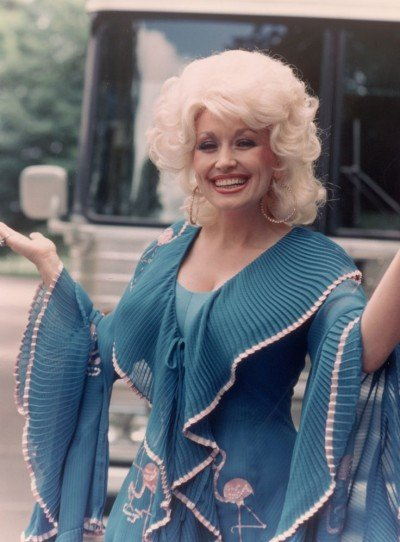 10 of dolly partons best outfits