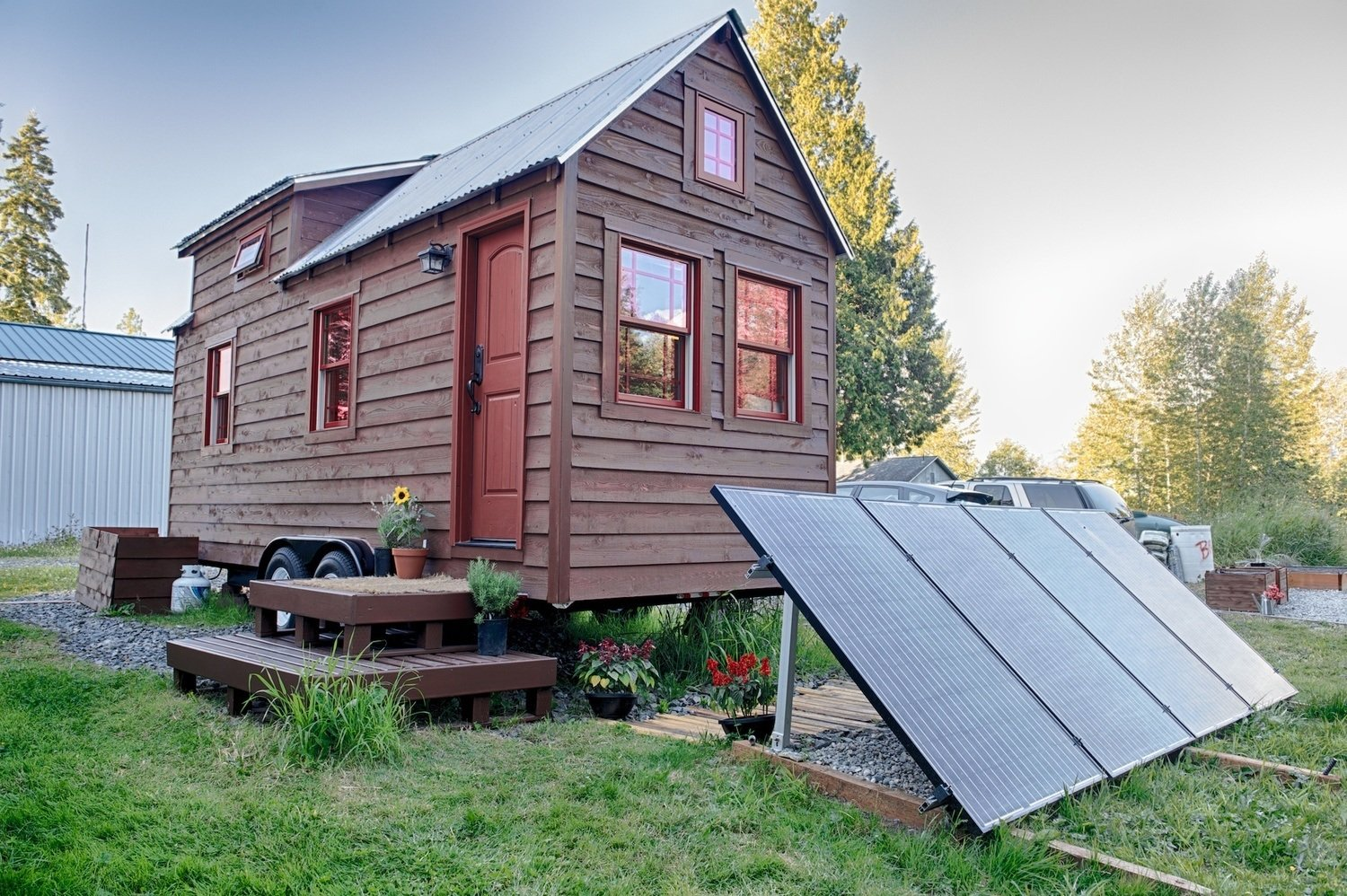16 tiny houses you wish you could live in for Solar energy house designs