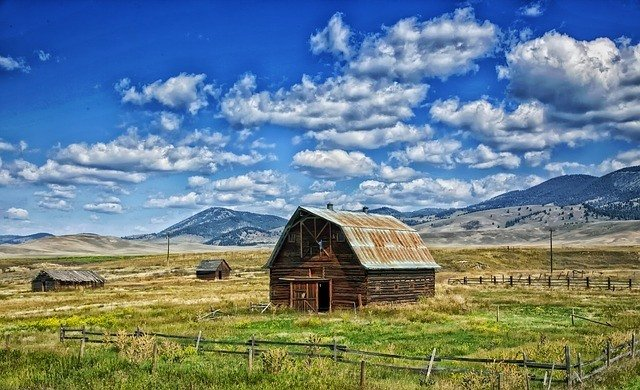 Country Barn in Montana
