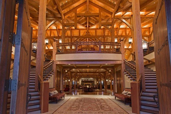 Peek Inside This Mind Blowing Barn Mansion In Utah