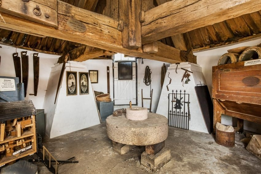 Peek Inside This Stunning Property S Functioning 1665 Windmill