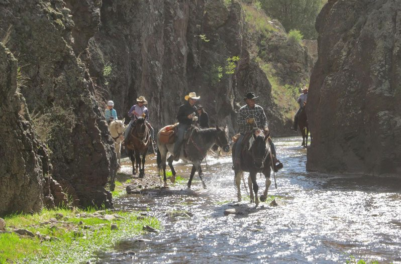 10 Of The Best Dude Ranch Vacations In America