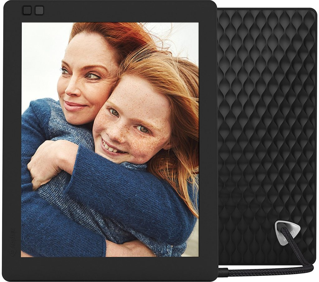 Give Mom the Gift of Memories with this Digital Frame