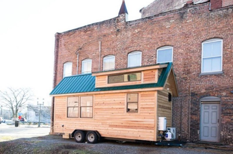 This Charming Tiny House Is Full Of Farmhouse Style