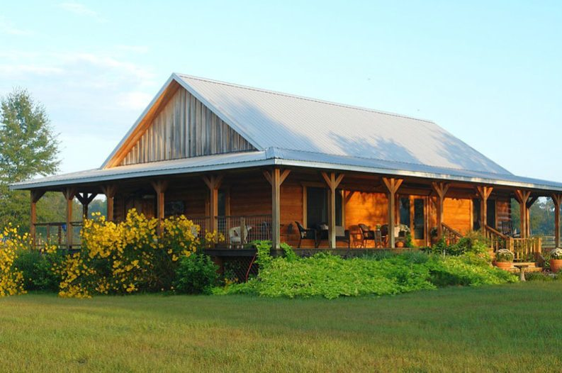 Pole barn homes everything you need to know for Country barn builders