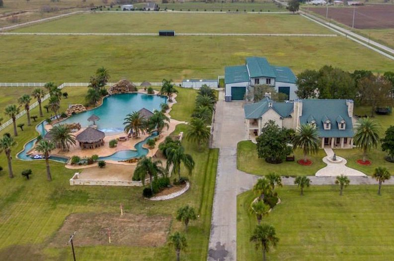 Texas Home Has A Lazy River In The Worlds Largest Residential Pool