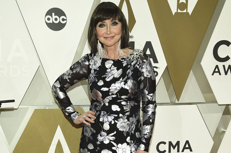 Pam Tillis Songs The Singer S 15 Best Country Tunes